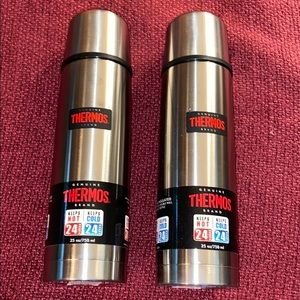 2 NEW Thermos 25 OZ  Insulated Stainless Bottles